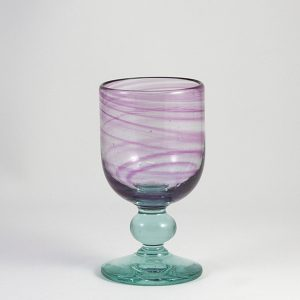 copa de vidrio aguas rosadas